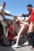 F�nf Teenager ficken auf einer Br�cke in der �ffentlichkeit