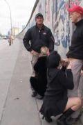 Blowjob Porno in aller �ffentlichkeit, Schwanzblasen an der Berliner Mauer
